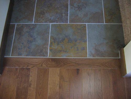 Плитка или деревянный пол что выбрать