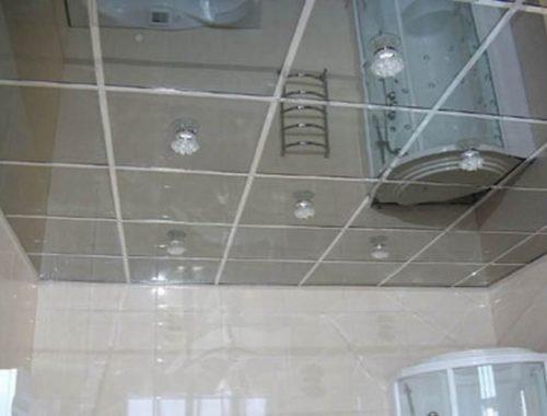 Как устроить зеркальный потолок в ванной