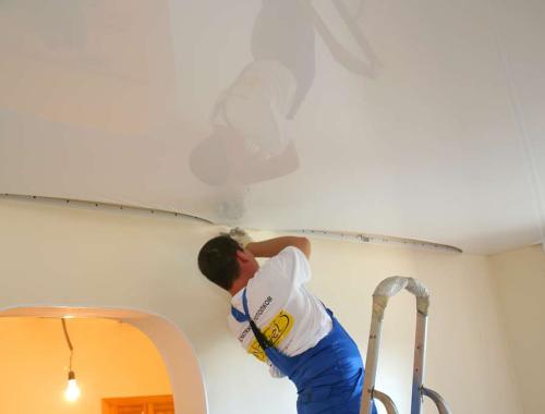 Натяжные потолки: особенности и преимущества
